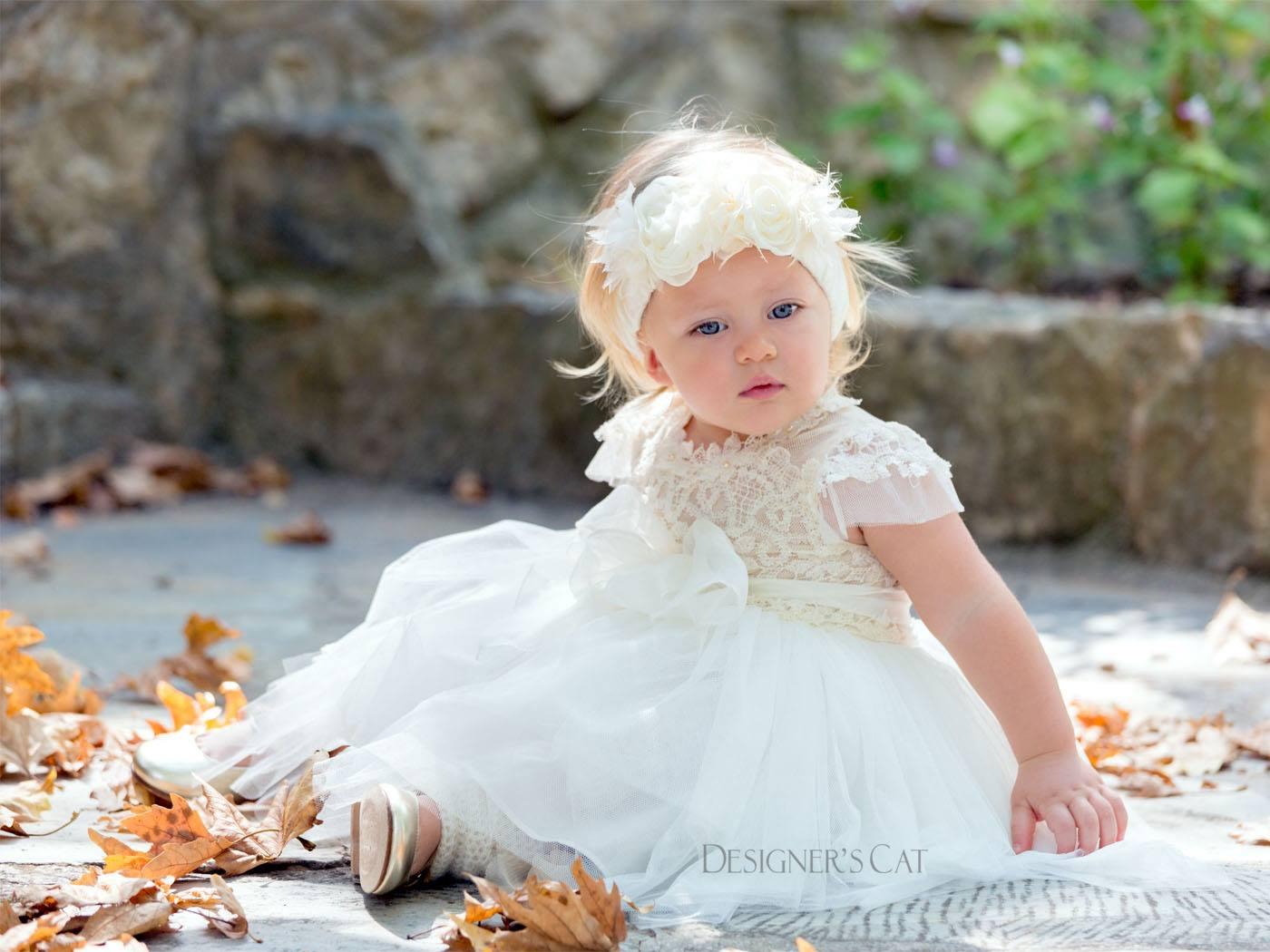 4befa4cda3a Βαπτιστικό Δαντελένιο Φόρεμα Και Τούλινη Φούστα Με Μεταξωτή Ζώνη Και ...